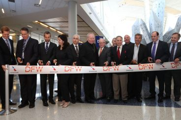 AA Inaugural Flight Dallas-Roma -Taglio Nastro